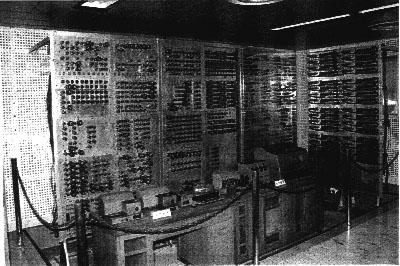 国産初の真空管式電子計算機