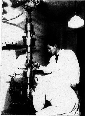 わが国最初の電子顕微鏡