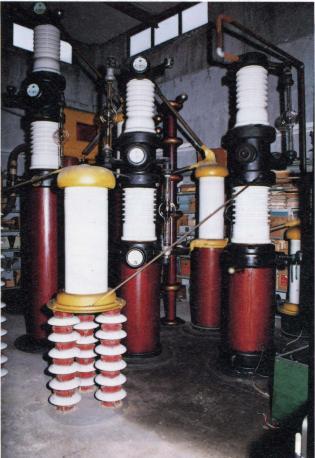 コッククロフトウォールトン(高電圧粒子加速器)