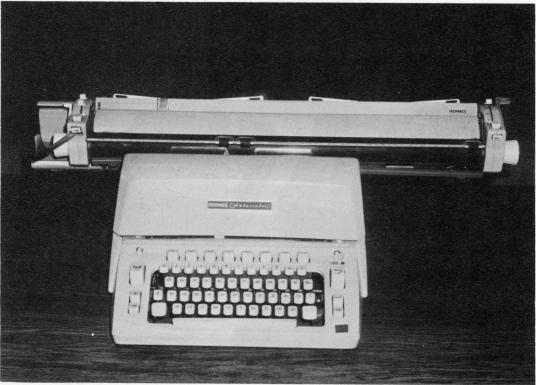 ロシア語タイプライター スイス製(Hermes Ambassador)
